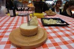halles_narbonne_tout_un_fromage_cercle_occitan_la_clape_consulat_septimanie_24_mai_2014-12