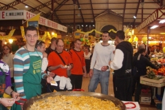 omelette paques halles narbonne 2007 (18)