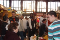 omelette paques halles narbonne 2007 (22)