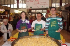 omelette paques halles narbonne 2007 (4)