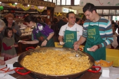 omelette paques halles narbonne 2007 (5)