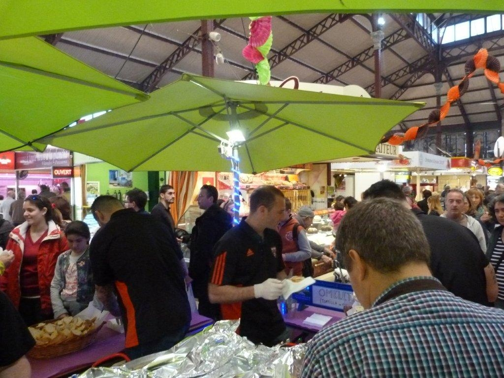 halles_narbonne_animation_paques_rcnm_omelette_chasse-oeuf-2016-11