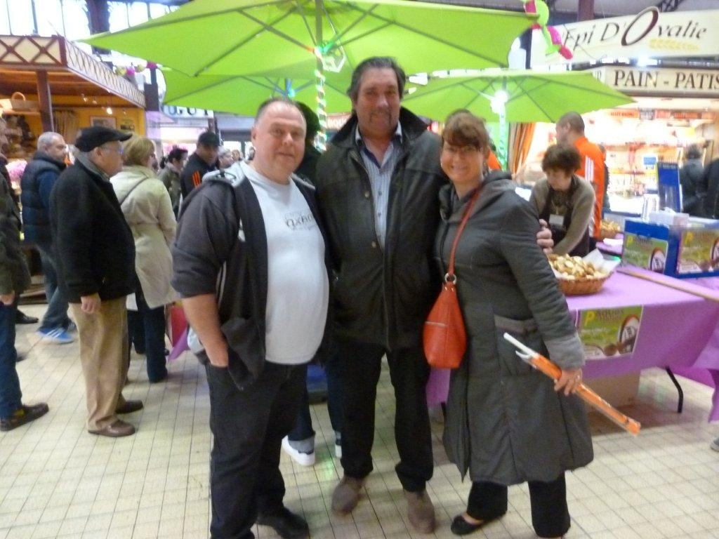 halles_narbonne_animation_paques_rcnm_omelette_chasse-oeuf-27-03-2016-120