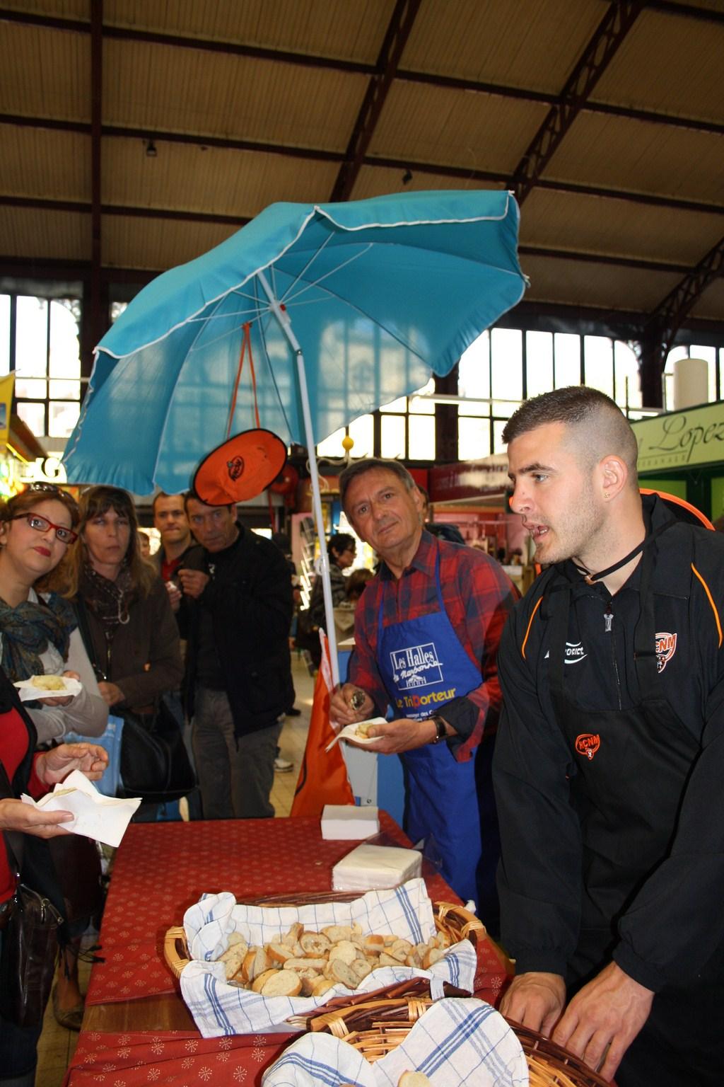 halles_narbonne_paques_omelette_jeanclaude_dreyfus_medaille_touristique_triporteur_rcnm_tignous_pinpin_cocotte_2012-11