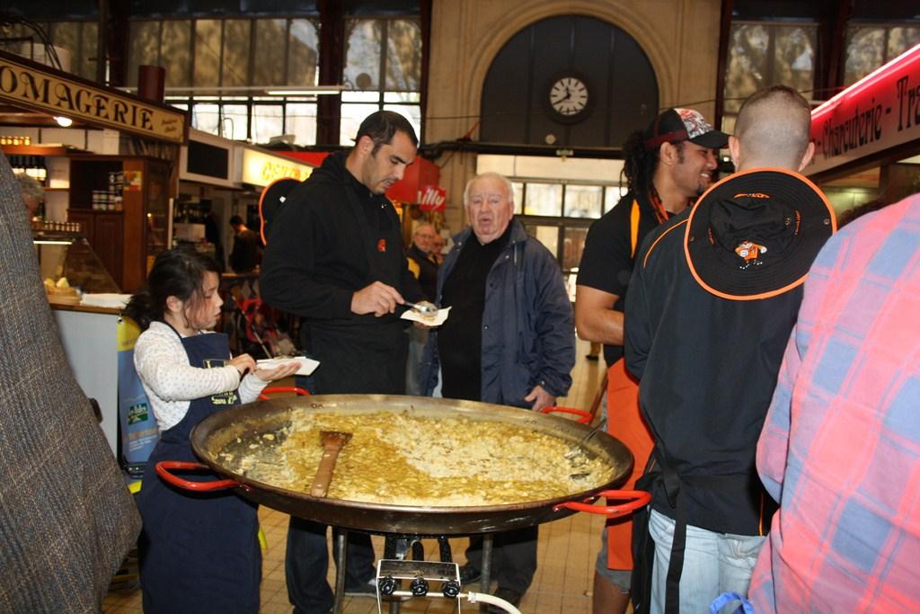halles_narbonne_paques_omelette_jeanclaude_dreyfus_medaille_touristique_triporteur_rcnm_tignous_pinpin_cocotte_2012-15
