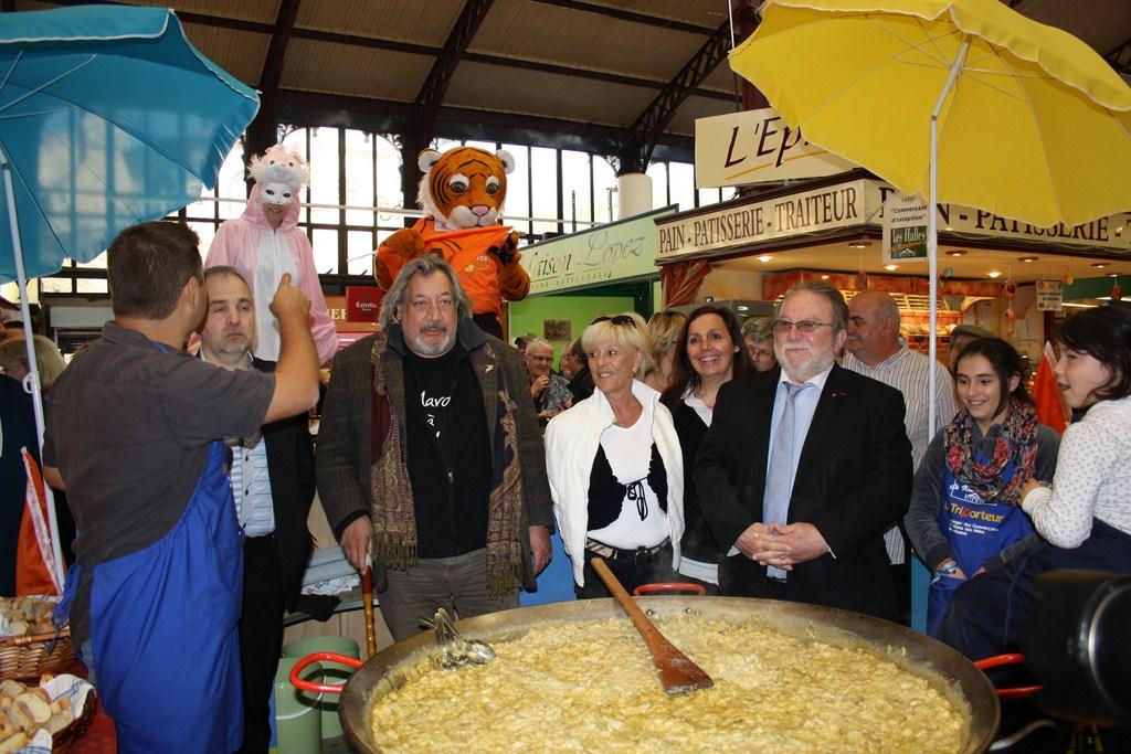 halles_narbonne_paques_omelette_jeanclaude_dreyfus_medaille_touristique_triporteur_rcnm_tignous_pinpin_cocotte_2012-42