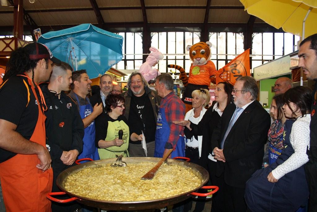 halles_narbonne_paques_omelette_jeanclaude_dreyfus_medaille_touristique_triporteur_rcnm_tignous_pinpin_cocotte_2012-45