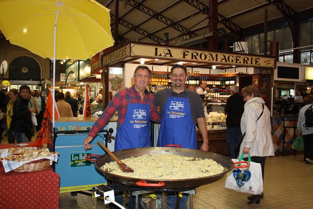 halles_narbonne_paques_omelette_jeanclaude_dreyfus_medaille_touristique_triporteur_rcnm_tignous_pinpin_cocotte_2012-48
