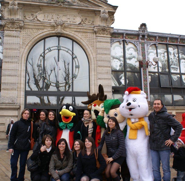 35-les_halles_de_narbonne_animation_promotion_photos_pere_noel_mardi-24-12-2013-