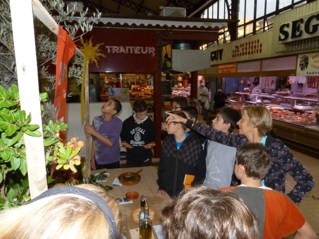 les_halles_de_narbonne_semaine_du_gout_ateliers_pedagogiques_16-10-2013-08