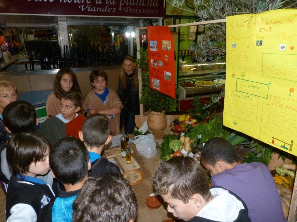 les_halles_de_narbonne_semaine_du_gout_ateliers_pedagogiques_16-10-2013-09