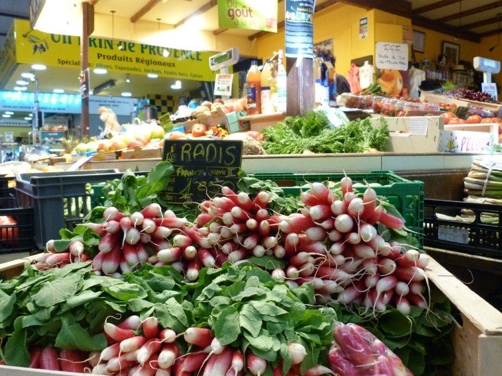 halles_de_narbonne_sarl_jalex_jackie_frances_primeur_fruits_legumes_frais_promotion_produits_locaux-04