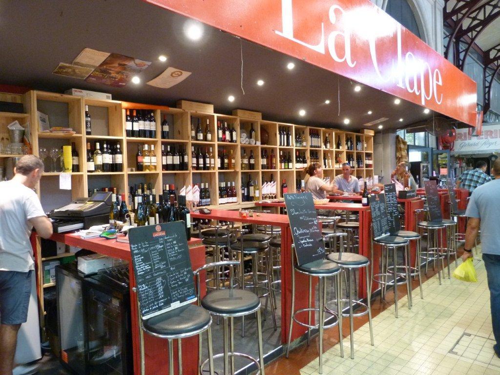 les_halles_de_narbonne_les_tapas_de_la_clape_firat_abbas_caviste_vin_tapas_manger_restaurant-04