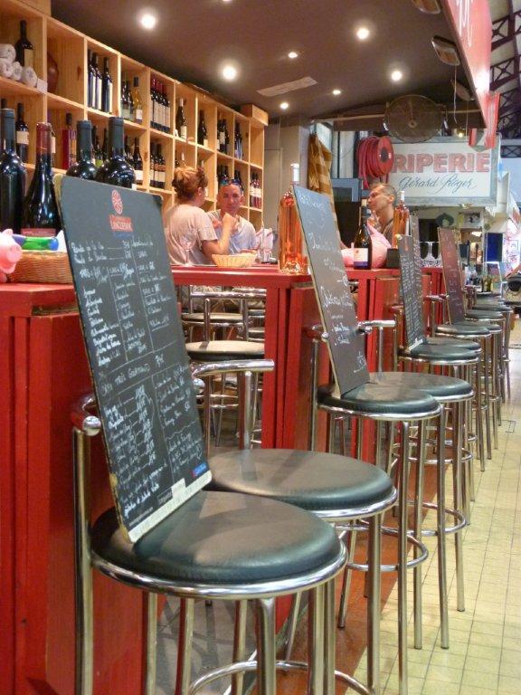 les_halles_de_narbonne_les_tapas_de_la_clape_firat_abbas_caviste_vin_tapas_manger_restaurant-11