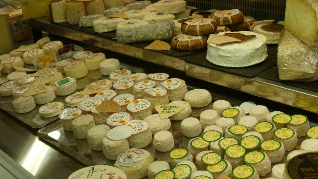 halles_narbonne_fromager_fromagerie_oules_fromage_creme_beurre-05