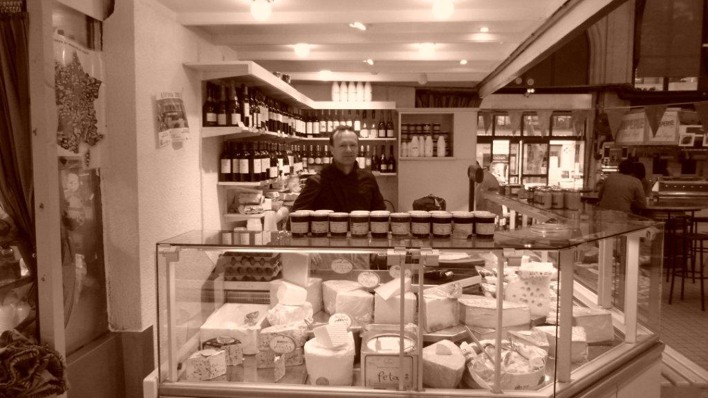 halles_narbonne_fromager_fromagerie_oules_fromage_creme_beurre-07