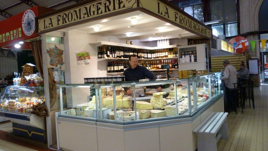 halles_narbonne_fromager_fromagerie_oules_fromage_creme_beurre-09