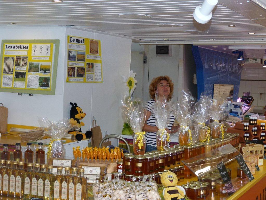 halles_narbonne_la-ruche-des-halles_miel_propolis_gelee-royale_sucettes_bonbons_03