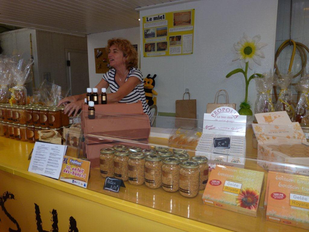halles_narbonne_la-ruche-des-halles_miel_propolis_gelee-royale_sucettes_bonbons_07