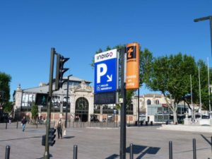 halles_narbonne_generalites_canal_velo_parking-00