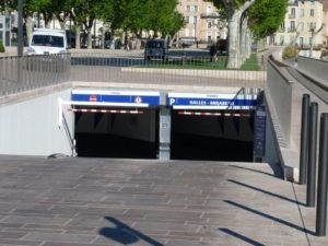 halles_narbonne_generalites_canal_velo_parking-01