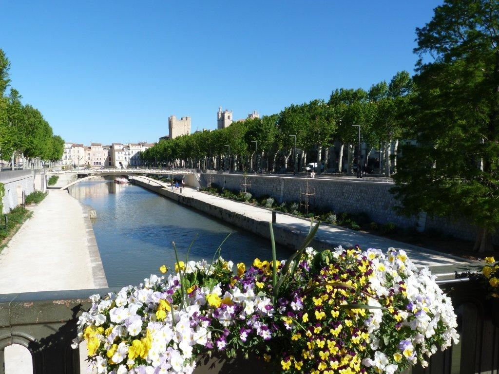 halles_narbonne_generalites_canal_velo_parking-02