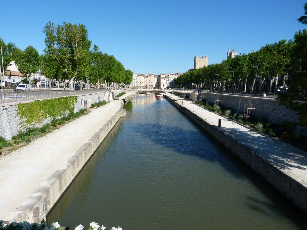 halles_narbonne_generalites_canal_velo_parking-03