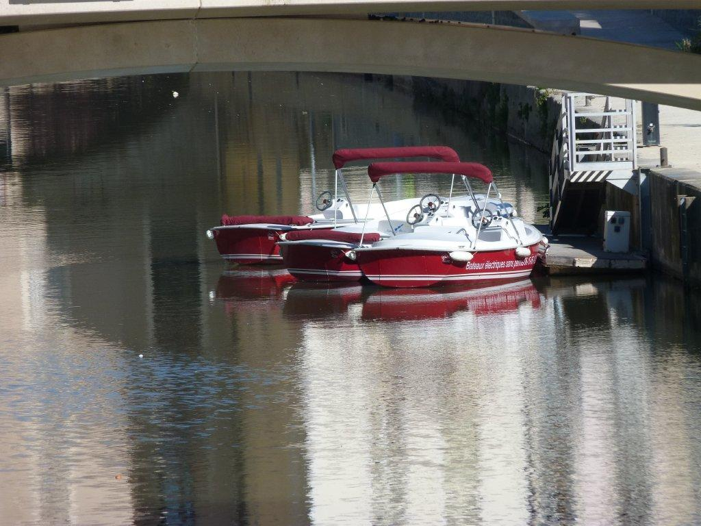halles_narbonne_generalites_canal_velo_parking-06