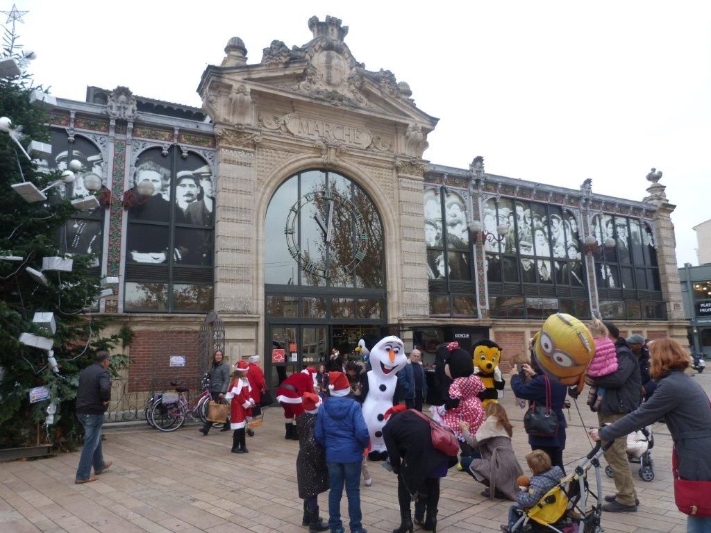 halles_narbonne_programme_fetes_fin_annee_noel_animations_culinaire_kioskasie_makis_sashimis_sushis_parade_pere_noel_2015-30