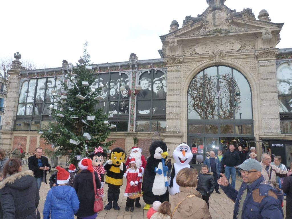 halles_narbonne_programme_fetes_fin_annee_noel_animations_culinaire_kioskasie_makis_sashimis_sushis_parade_pere_noel_2015-39