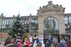 halles_narbonne_programme_fetes_fin_annee_noel_animations_culinaire_kioskasie_makis_sashimis_sushis_parade_pere_noel_2015-38